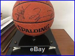 1995-96 Chicago Bulls signed basketball, Jordan, Pippen, Phil Jackson + team