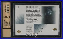 2001 SP Authentic Sign Of Times Gold Tiger Woods ROOKIE RC AUTO /25 BGS 9.5 GEM