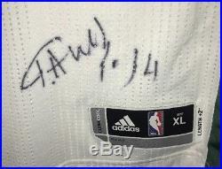 Giannis Antetokounmpo Signed 2013-14 Auto REV30 Authentic Rookie Jersey (GA COA)