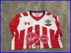 Hand Signed Southampton FC 2016/2017 Squad Signed Shirt Memorabilia Autograph