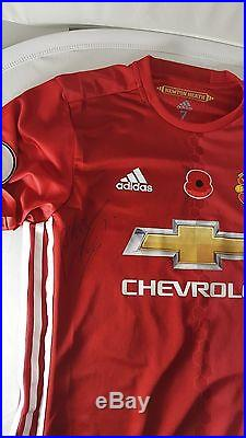 Manchester United VALENCIA Poppy Premier League MATCH ISSUSED and SIGNED shirt