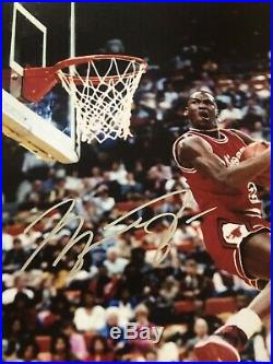 Michael Jordan Chicago Bulls Signed Autographed 11x14 Photo with COA