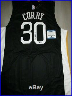 Stephen Curry Signed Autographed Golden State Warriors Jersey Beckett Bas G35028