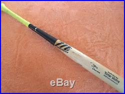 Yadier Molina signed game used bat with Game Used inscription Beckett auth
